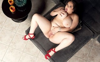 Sofia Deluxe: The XL Girl With Full, Heavy Tits