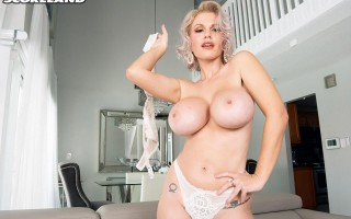 Tight MILF Casca Akashova undresses for us