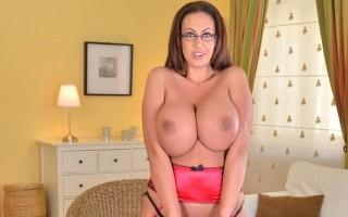 UK Milf Emma Butt jiggles her tits