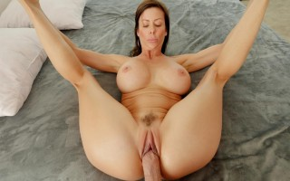 Busty Mom Alexis Fawx Mind Your Manners
