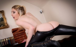 Cosplay babe fucking her own tight pussy hard