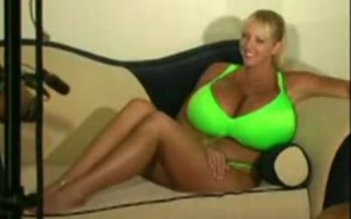 Maxy Mounds green bikini
