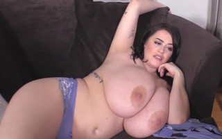 Busty Leanne Crow Laid in a Couch Seems Ready for Any Action