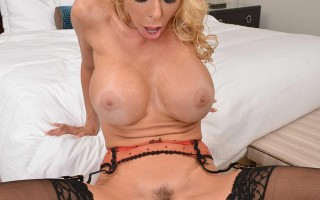 Hot blonde Alexis Fawx show in POV action