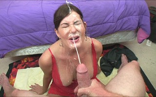 Bella Roxxx cumshot facial