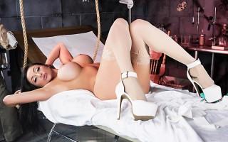 Big boobed babe Audrey Bitoni in Frankenslut