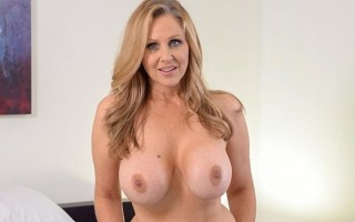 How to fuck busty MILF Julia Ann experience