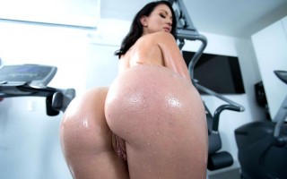 Brooke Beretta Ass Workout Sex Club