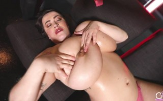 Leanne Crow pink muse bts with her giant boobs bouncing